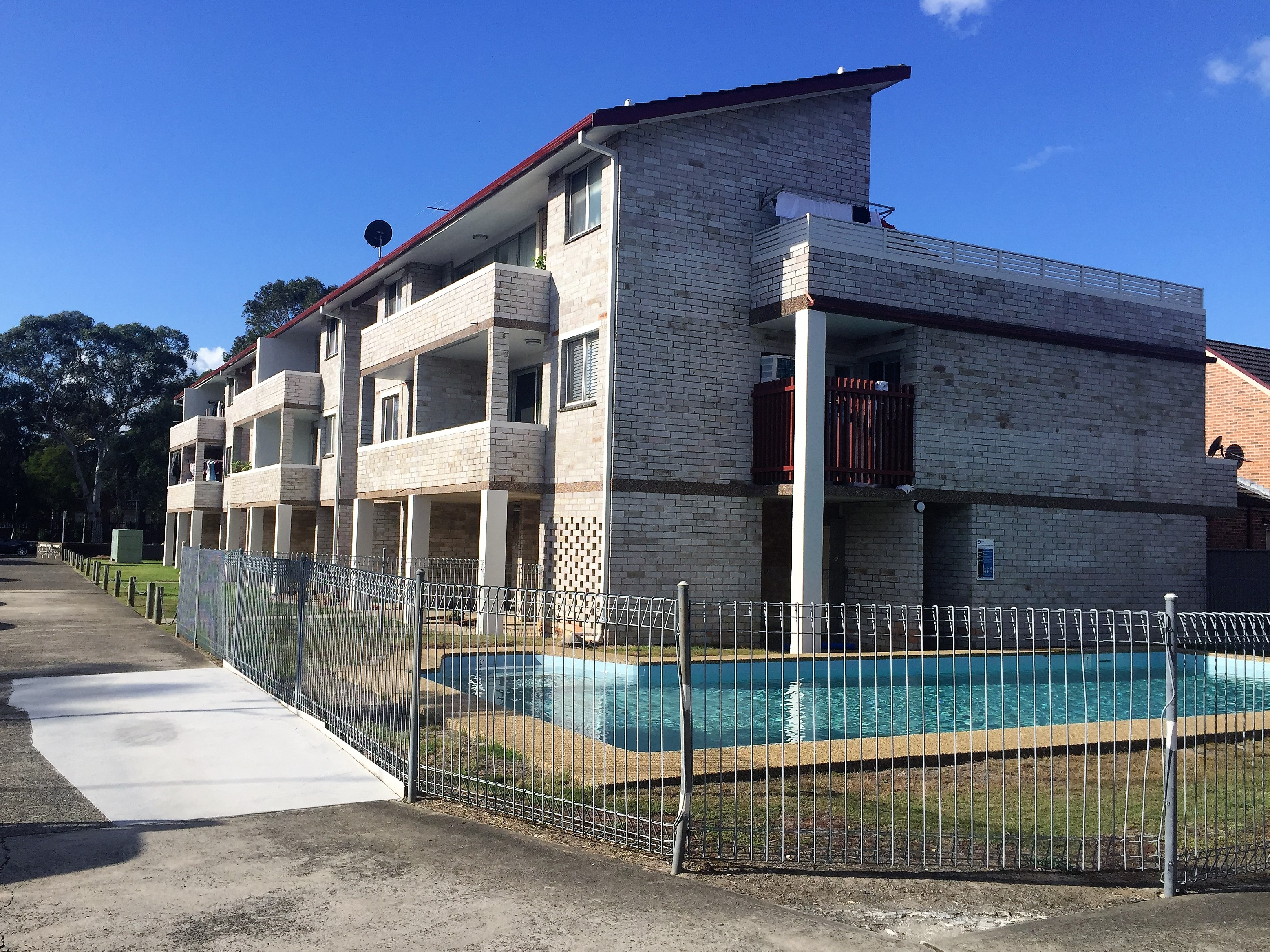FEATURE-PACKED UNIT – GREAT VALUE!